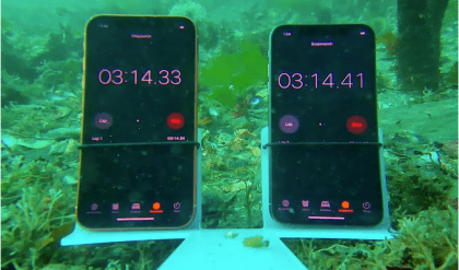 iPhone XR vs iPhone XS Waterproof