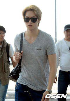 cnblue heading to hk19