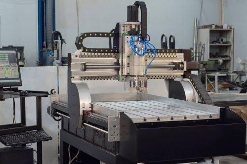 Фрезерные станки с ЧПУ для обработки стали, чугуна, цветных металлов, древесины и пластика. Производство фрезерных станков с ЧПУ. DIY наборы для самостоятельной сборки.