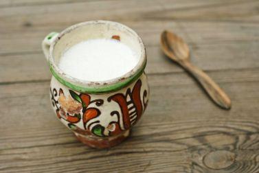 3-retete-in-care-sa-folosesti-lapte-batut_size1