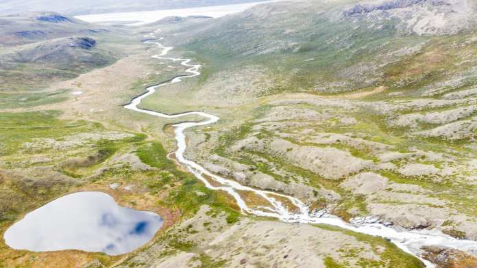 This secret Cold War era project revealed a surprise in the depths of the ice in Greenland