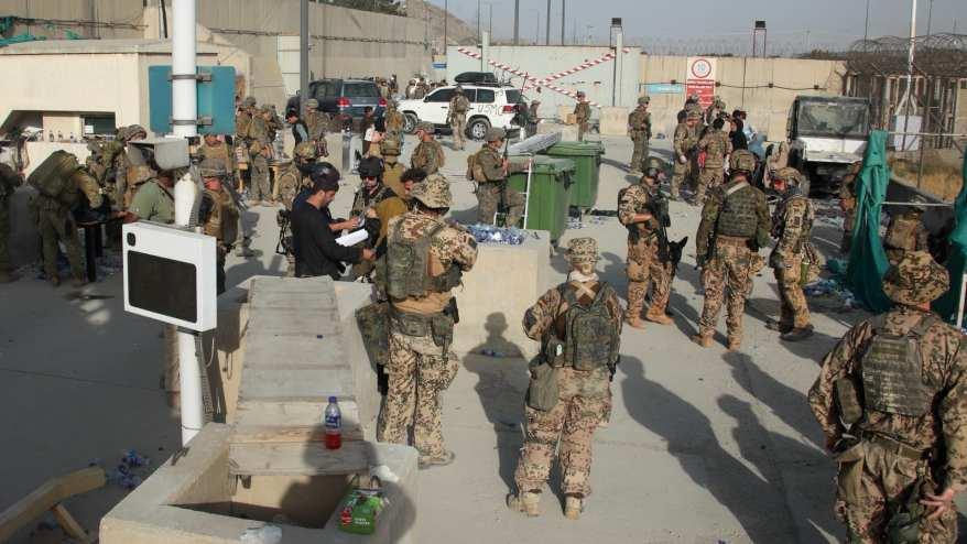 صورة ارشيفية لعناصر من القوات الأمريكية والبريطانية في أفغانستان