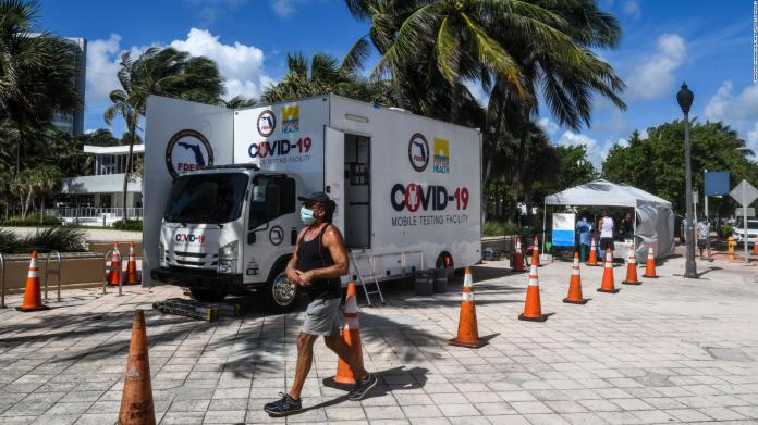 Miami closes covid-19 test centers due to Isaías threat