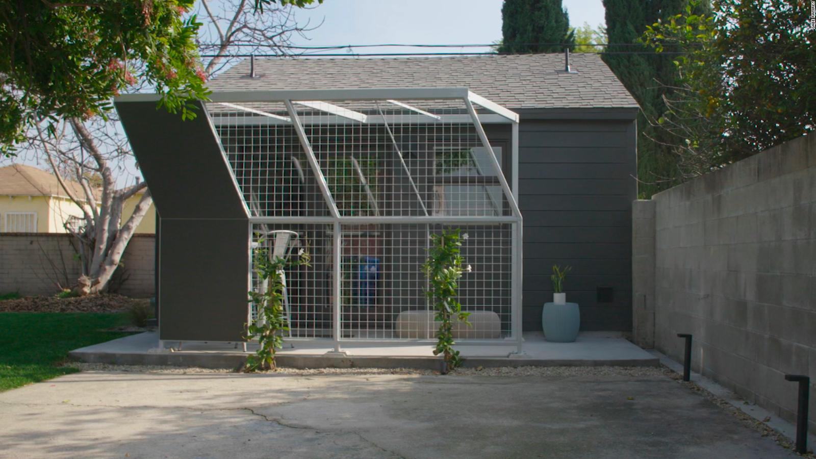 Mira cómo esta empresa convierte garajes en viviendas asequibles