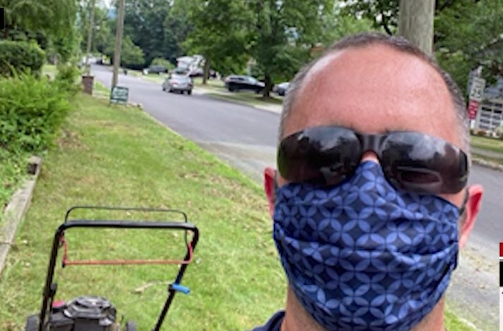 Man fired in the wake of pandemic mows the lawn for free to seniors and veterans