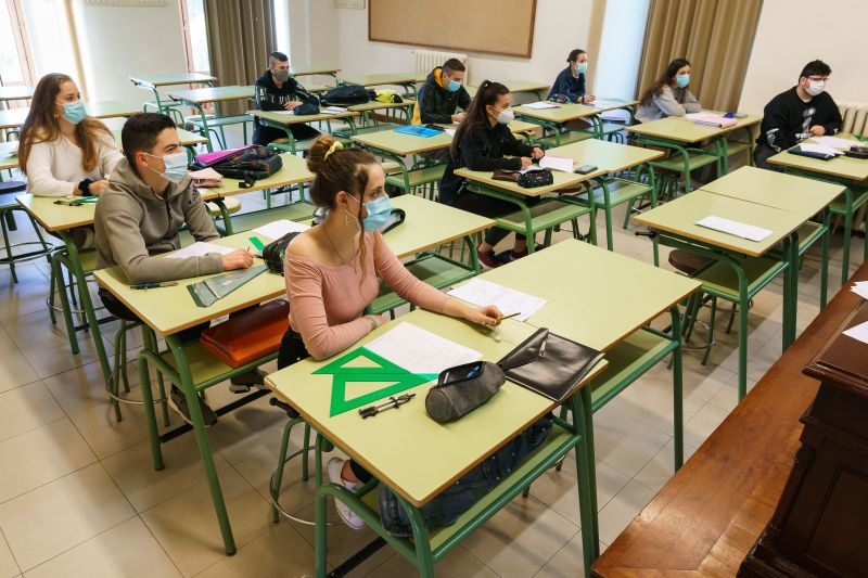 Face-to-face school classes begin in Madrid