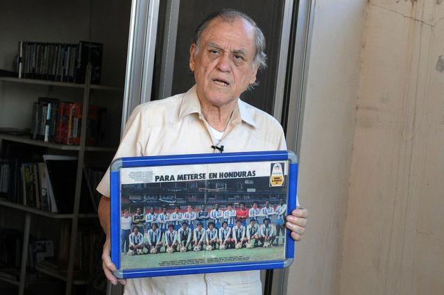 """Muere Chelato Uclés, el entrenador """"más laureado"""" del fútbol de Honduras"""
