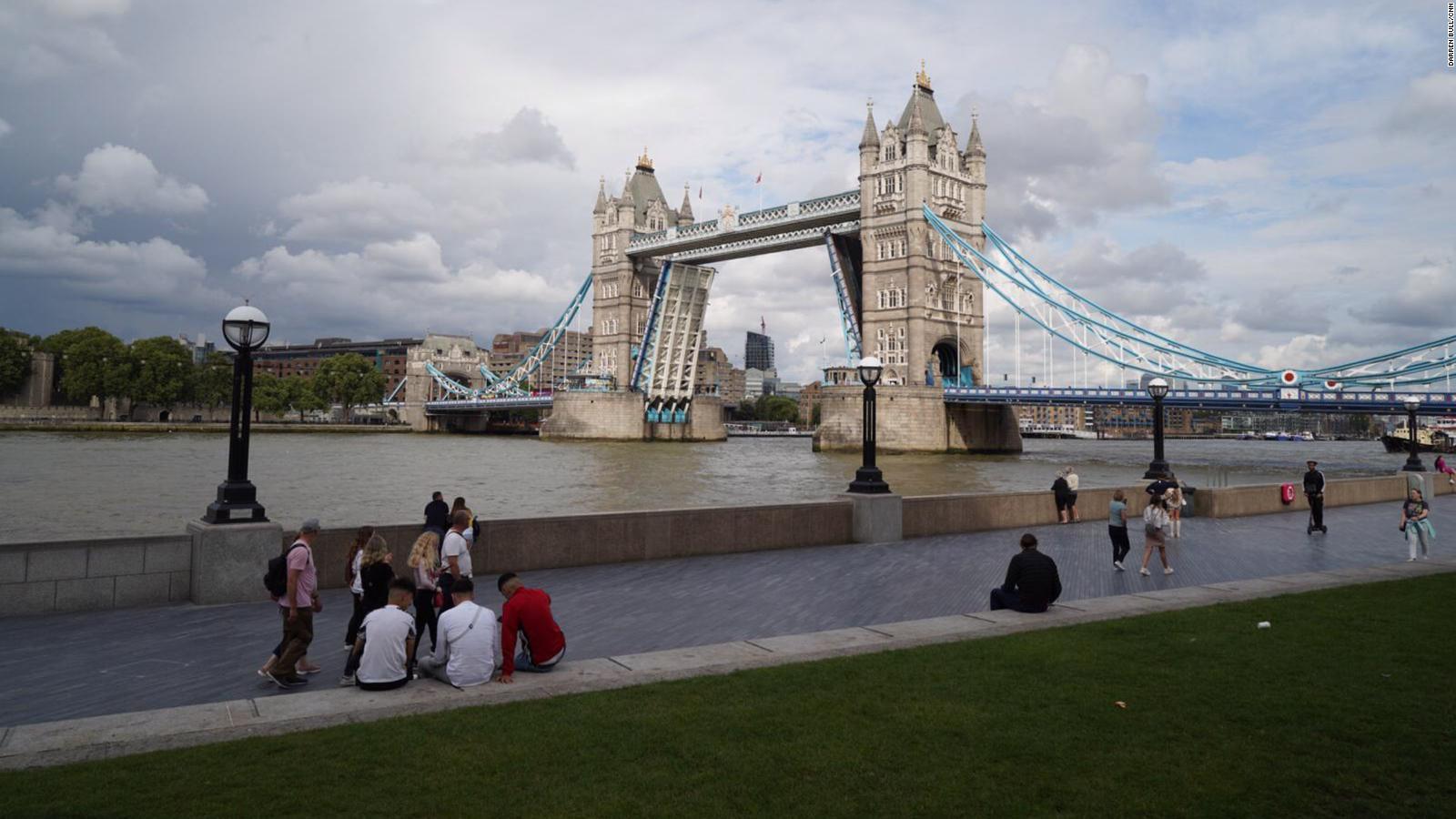 Esto pasó cuando el Puente de la Torre se atascó