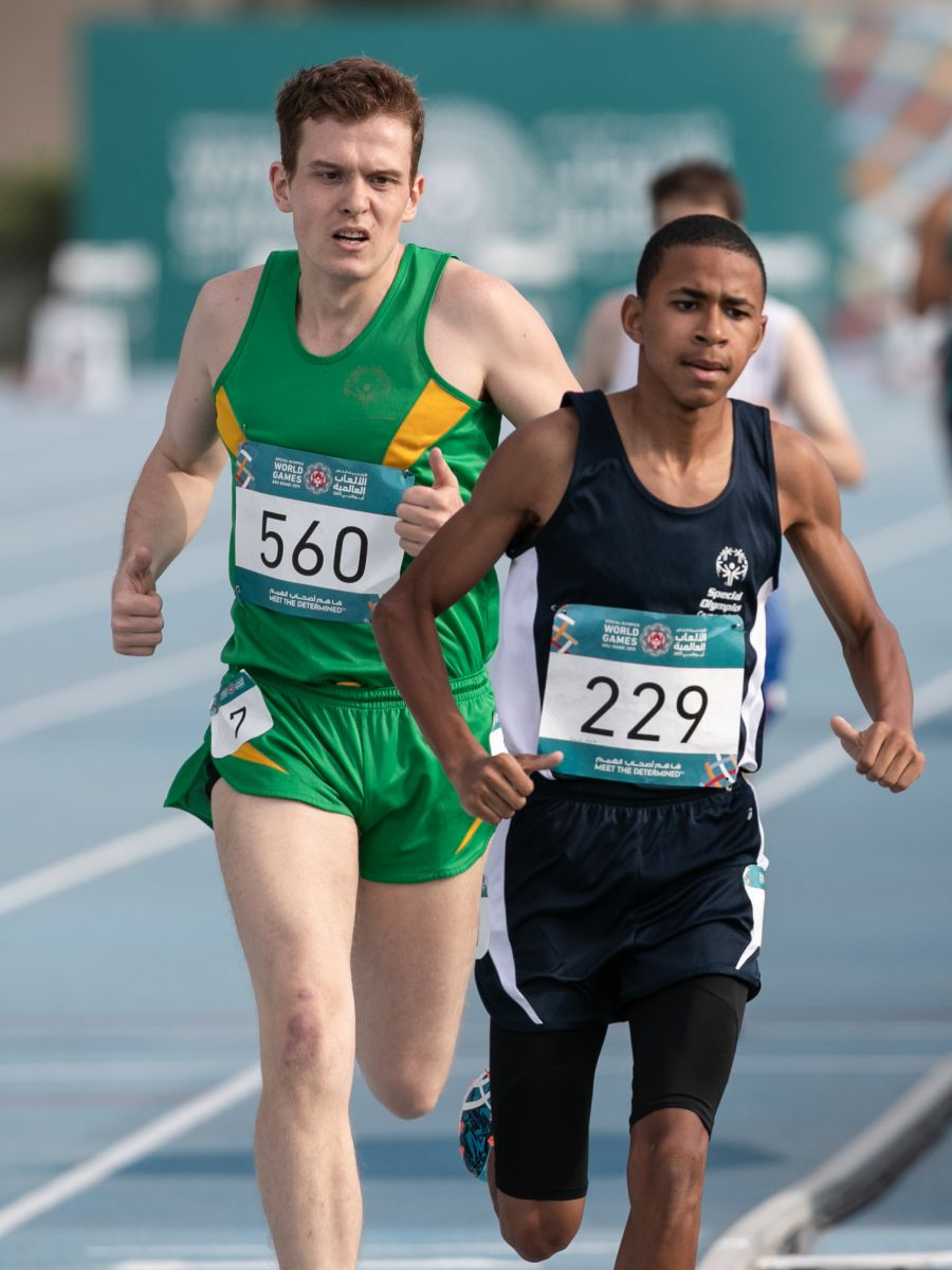 Beaver Smith runs for gold in 800m