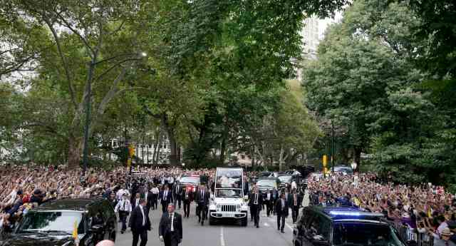 Pope Francis rides through New York's Central Park in the popemobile Sept. 25.  (CNS/Richard Drew, pool)