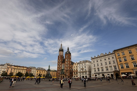 The gothic St. Mary's Basilica anchors the main square in Krakow, Poland. (CNS photo/Nancy Wiechec)