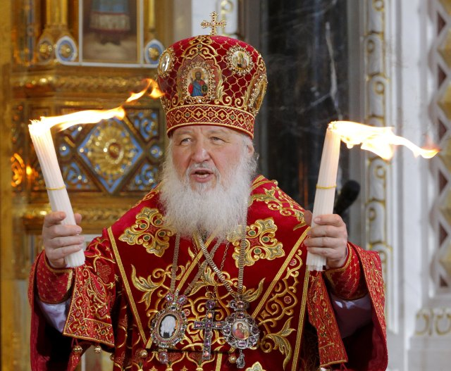 Russian Orthodox Patriarch Kirill leads a 2014 Easter service in Christ the Savior Cathedral in Moscow. Pope Francis will meet Patriarch Kirill Feb. 12 in Cuba, en route to Mexico. (CNS/Reuters)