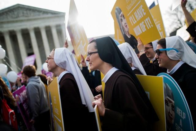 Women religious demonstrate against the Affordable Care Act's contraceptive mandate outside the U.S. Supreme Court in 2016. (CNS/EPA)
