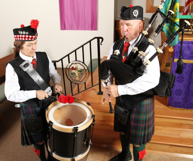 Missy and Richard McPhee, who were married on St. Patrick's Day in 1979 at St. Jerome Church in their hometown of East Rochester, N.Y., perform their music. Today they attend St. Mary, Mother of God Church in Jackson, Ga. (CNS/Michael Alexander, Georgia Bulletin)