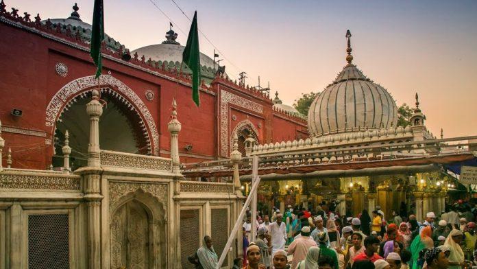 Nizamuddin Dargah in Evening
