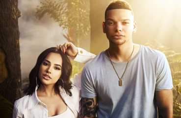 Kane Brown Becky G Lost In the Middle Of Nowhere