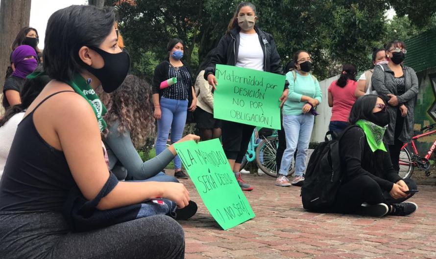 #AbortoLegalySeguro reclaman mujeres en Toluca
