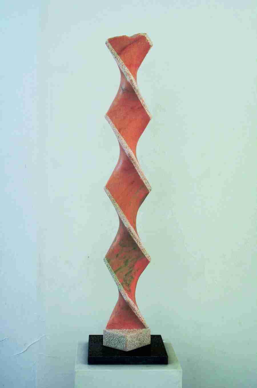 """Marmorskulptur""""Windung"""",Stele aus portugiesischem Marmor, (rosa Portogallo). Aus der Serie """"Marmorstelen"""", Bildhauer Jens Hogh-Binder, 2011- 2016"""