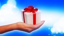 cadeau-dans-la-main