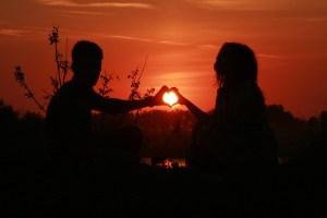 couple-coeur-soleil