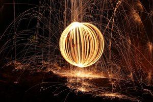sphere-lumiere-acier