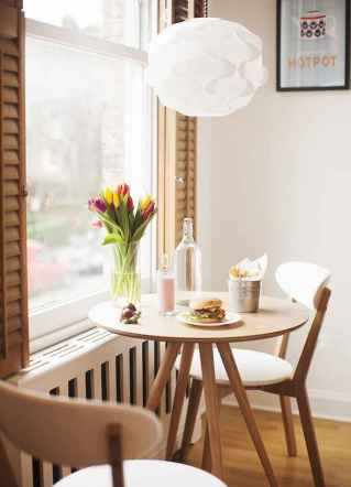 130 Small and Clean First Apartment Dining Room Ideas (94)