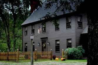 130 Stunning Farmhouse Exterior Design Ideas (111)