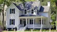 130 Stunning Farmhouse Exterior Design Ideas (30)