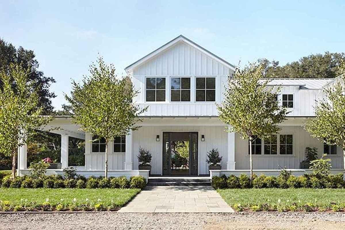 130 Stunning Farmhouse Exterior Design Ideas (34)
