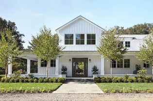 130 Stunning Farmhouse Exterior Design Ideas (34)