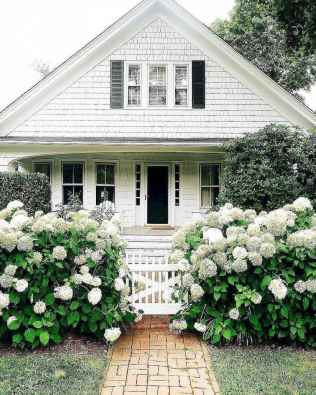 130 Stunning Farmhouse Exterior Design Ideas (73)