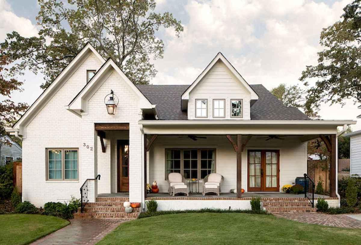 130 Stunning Farmhouse Exterior Design Ideas (84)