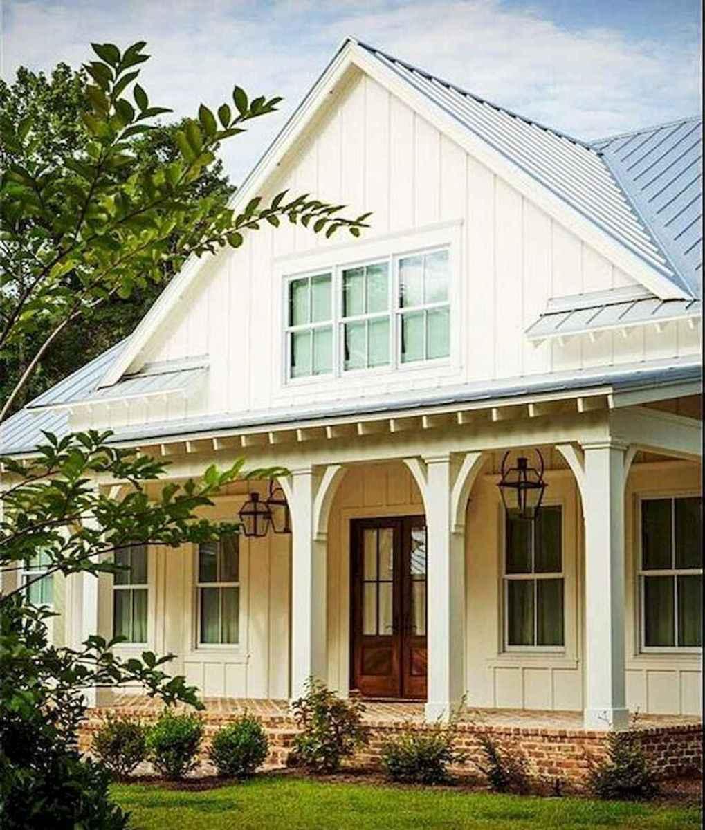130 Stunning Farmhouse Exterior Design Ideas (92)