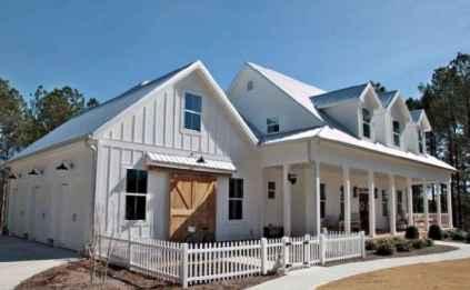 130 Stunning Farmhouse Exterior Design Ideas (99)