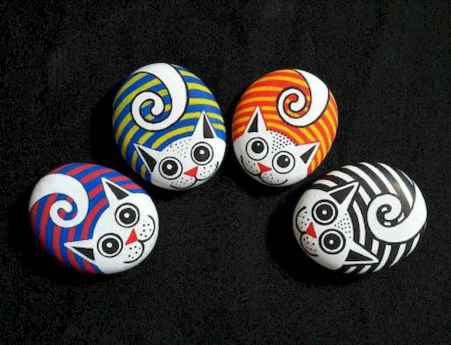 50 DIY Painted Rock Ideas for Your Home Decoration (27)
