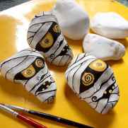 50 DIY Painted Rock Ideas for Your Home Decoration (29)