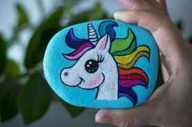50 DIY Painted Rock Ideas for Your Home Decoration (44)