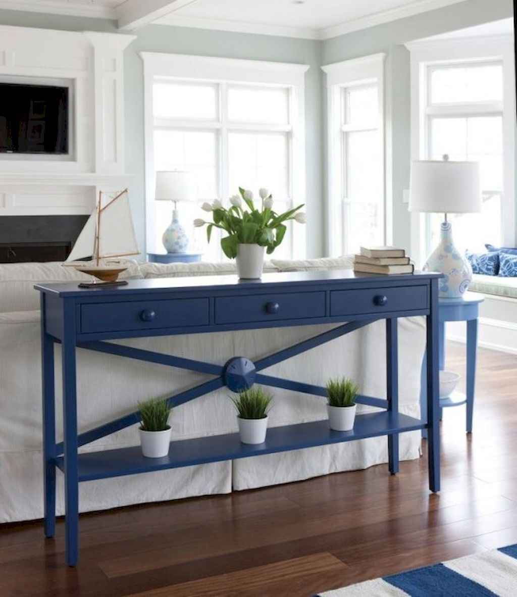 70 Cool and Clean Coastal Living Room Decorating Ideas (3)
