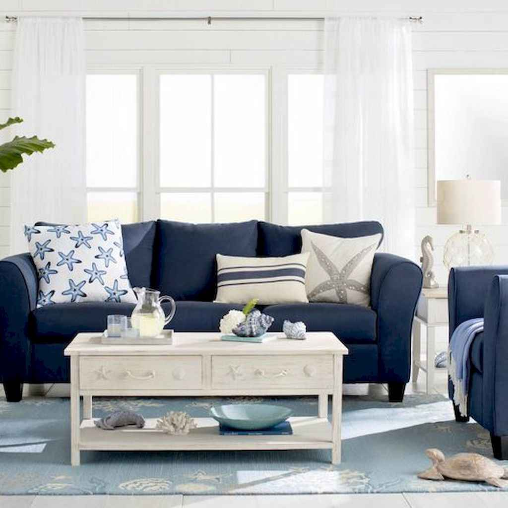 70 Cool and Clean Coastal Living Room Decorating Ideas (56)
