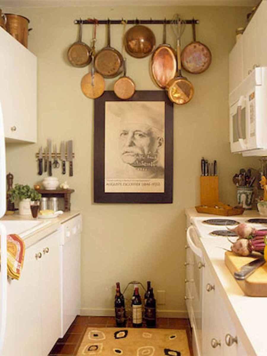 70 Brilliant Small Apartment Kitchen Decor Ideas (51 ...