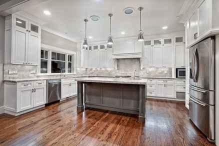 100 Supreme White Kitchen Cabinets Decor Ideas For Farmhouse Style Design (25)