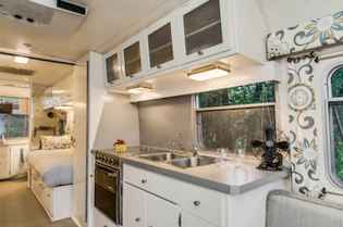 70 Brilliant RV Living Iinterior Remodel Ideas On A Budget (31)