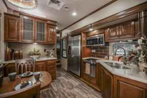 70 Brilliant RV Living Iinterior Remodel Ideas On A Budget (38)