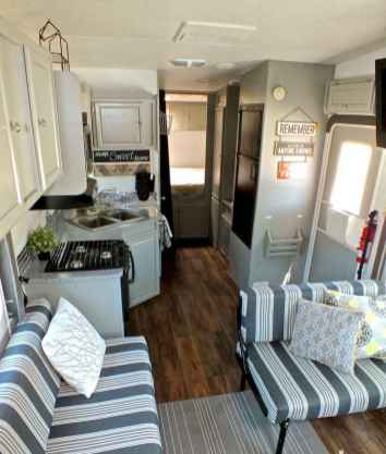 70 Brilliant RV Living Iinterior Remodel Ideas On A Budget (51)