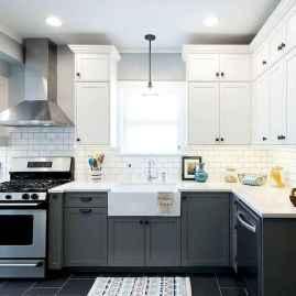100 Elegant White Kitchen Cabinets Decor Ideas For Farmhouse Style Design (12)