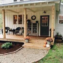 110 Beautiful Farmhouse Porch Decor Ideas (70)