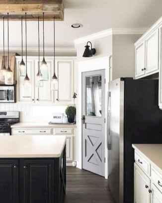 90 Best Farmhouse Kitchen Cabinet Design Ideas (73)
