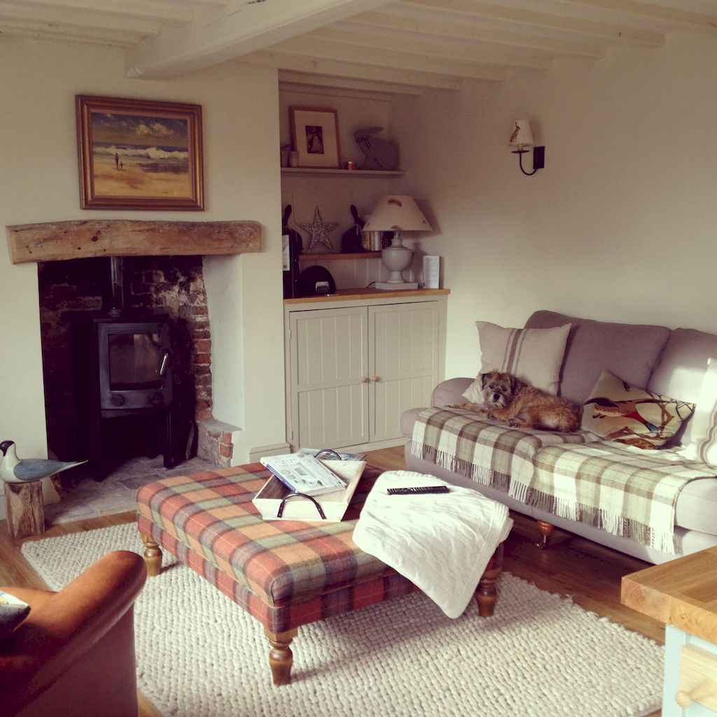 25 Cottage Living Room Decor Ideas (8)
