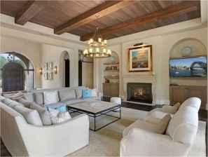 25 Mediterranean Living Room Decor Ideas (10)
