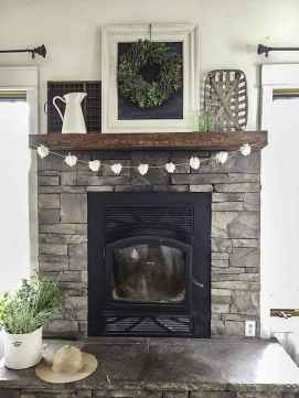40 Awesome Farmhouse Fireplace Decor Ideas and Remodel (17)